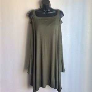 Cold Shoulder Green Top Amelia James Sze 3X  NWTS